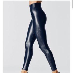 Carbon liquid high rise leggings